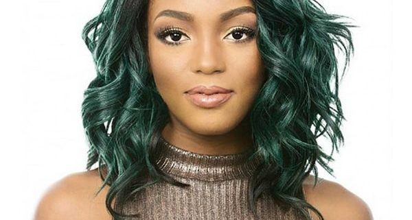 how-to-put-on-a-lace-front-wig-without-glue-a-guide-for-healthy-hair (2)